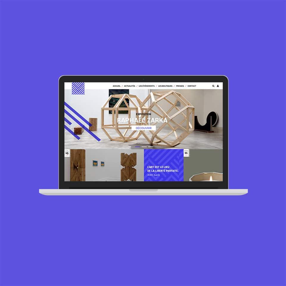Exemple de page web pour le miroir de Poitiers